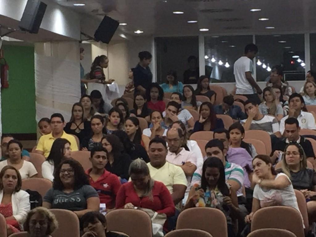 O público atendeu ao chamado do Crefito-12 e compareceu em bom número ao polo da Universidade Paulista.