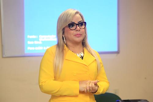 Dra. Clévia Dantas - terapeuta ocupacional e coordenadora do comitê de humanização da santa casa.